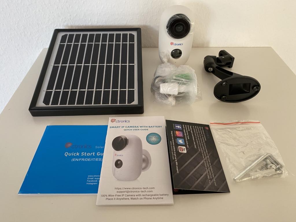Ctronics Überwachungskamera mit Akku und Solarpanel sowie einer Menge Zubehör